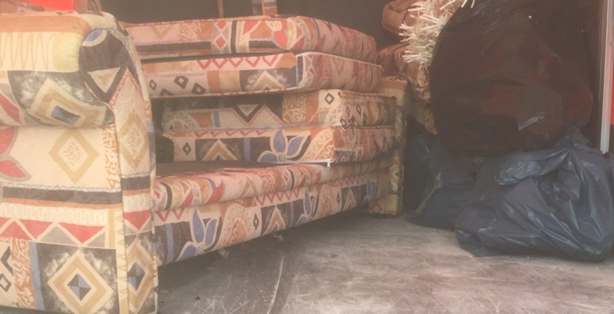 Möbel Ikea Sofa entsorgen Berlin pauschal 80 Euro